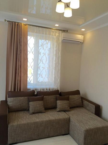 Сдается 2-комнатная квартира на ул. Среднефонтанская — 37 у.е./сут.