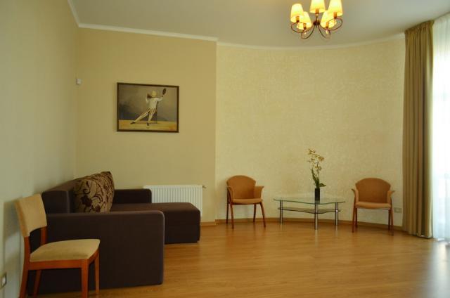 Сдается 3-комнатная квартира на ул. Сабанский Пер. — 1 500 у.е./мес.