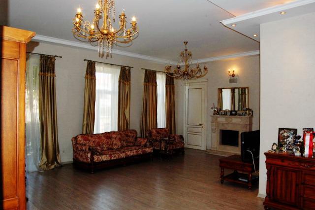 Сдается 4-комнатная квартира на ул. Пастера — 800 у.е./мес.