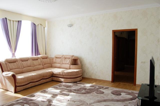 Сдается 3-комнатная квартира на ул. Французский Бул. — 800 у.е./мес.
