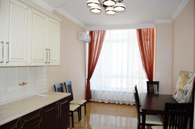 Сдается 3-комнатная квартира на ул. Французский Бул. — 800 у.е./мес. (фото №2)