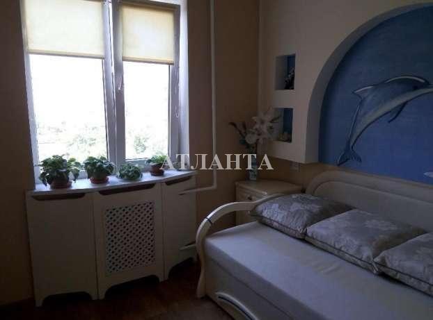 Продается 3-комнатная квартира на ул. Академика Королева — 54 000 у.е.