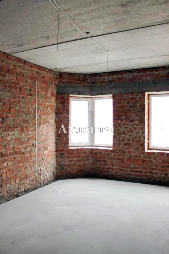 Продается 2-комнатная квартира на ул. Академика Вильямса — 57 000 у.е.
