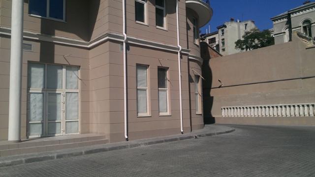 Сдается Офис на ул. Сабанский Пер. — 1 300 у.е./мес.