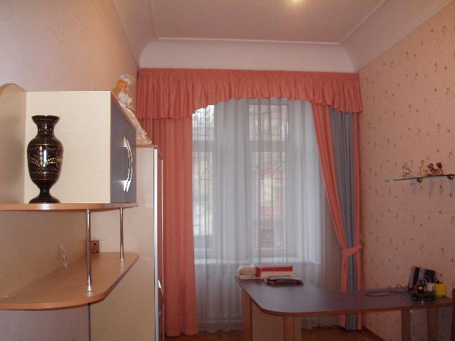 Продается 4-комнатная квартира на ул. Базарная (Кирова) — 195 000 у.е.