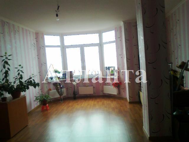 Продается 2-комнатная квартира на ул. Дюковская (Нагорная) — 80 000 у.е.