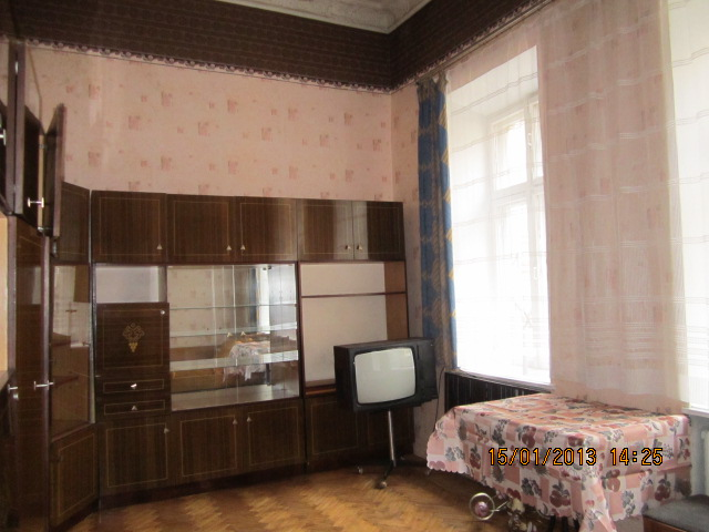 Продается коммунальная на ул. Нежинская (Франца Меринга) — 18 000 у.е.