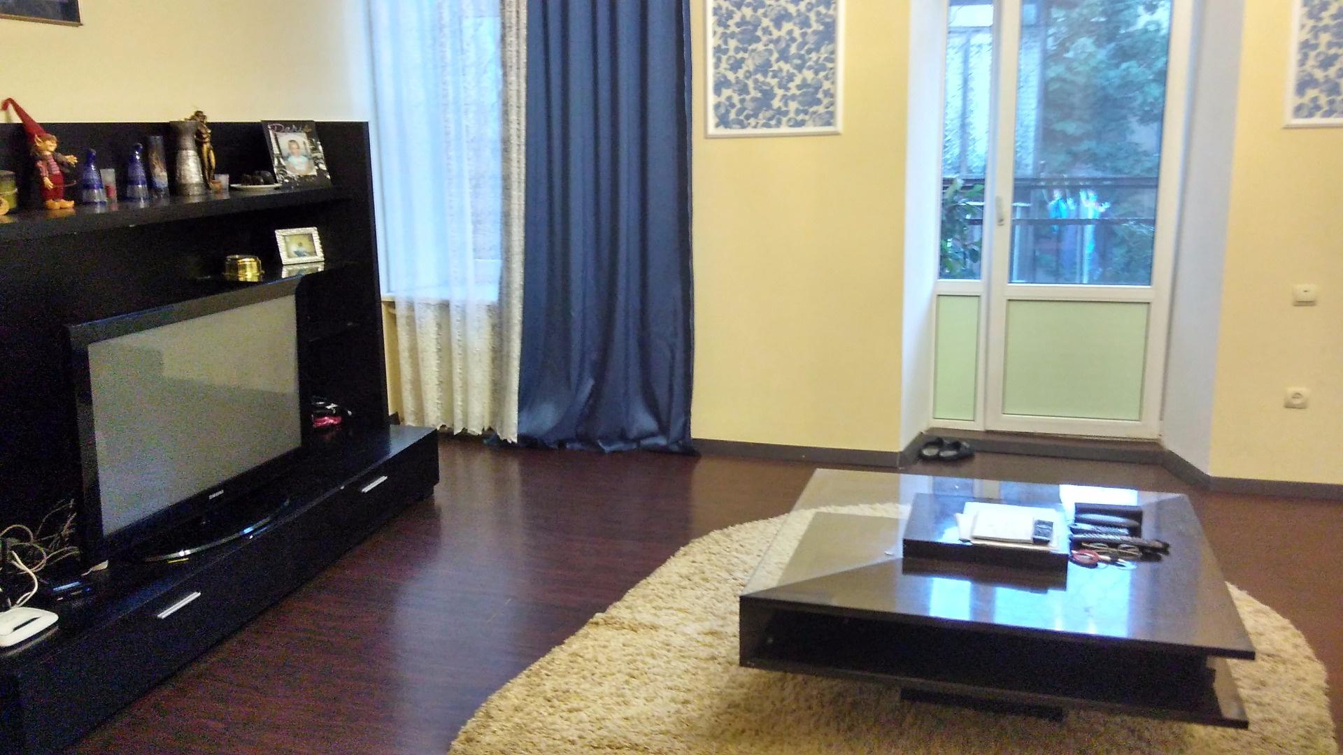 Продается 3-комнатная квартира на ул. Малая Арнаутская (Воровского) — 130 000 у.е.