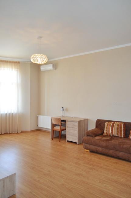 Сдается 3-комнатная квартира на ул. Сабанский Пер. (Суворова Пер.) — 0 у.е./сут. (фото №5)