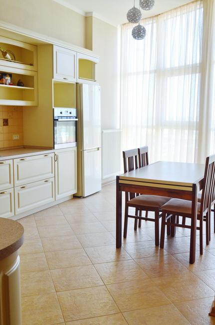 Сдается 3-комнатная квартира на ул. Сабанский Пер. (Суворова Пер.) — 0 у.е./сут. (фото №10)