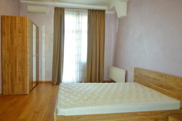 Сдается 3-комнатная квартира на ул. Сабанский Пер. (Суворова Пер.) — 0 у.е./сут. (фото №11)