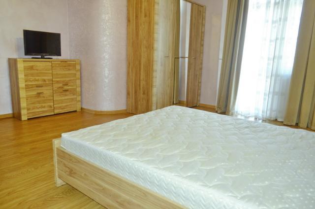 Сдается 3-комнатная квартира на ул. Сабанский Пер. (Суворова Пер.) — 0 у.е./сут. (фото №14)