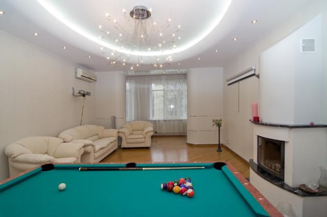 Сдается 3-комнатная квартира на ул. Довженко — 0 у.е./сут.