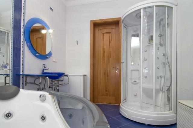Сдается 3-комнатная квартира на ул. Довженко — 0 у.е./сут. (фото №8)