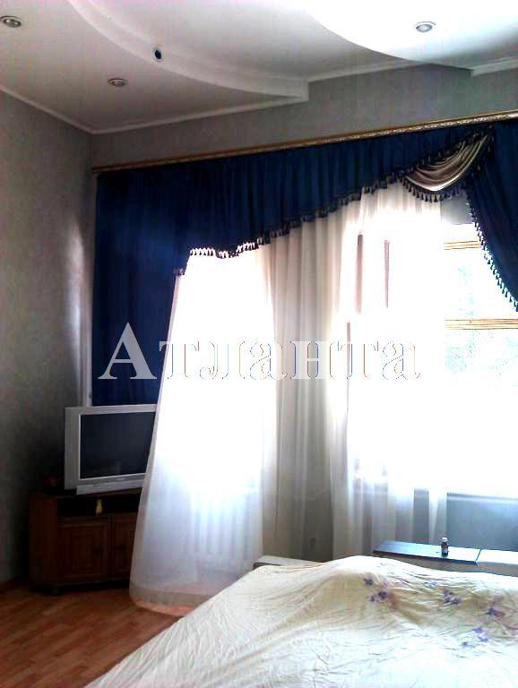 Продается 4-комнатная квартира на ул. Пироговская — 75 000 у.е.