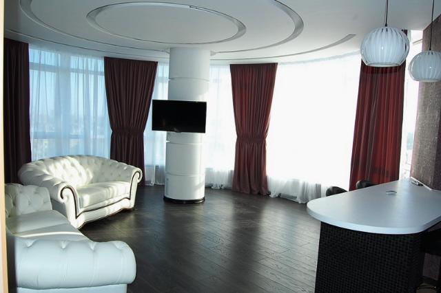 Сдается 1-комнатная квартира на ул. Бреуса — 0 у.е./сут. (фото №2)