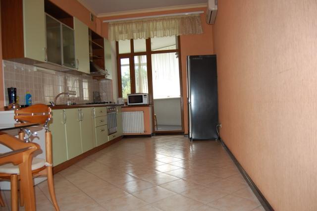 Сдается 2-комнатная квартира на ул. Азарова Вице Адм. — 0 у.е./сут. (фото №3)