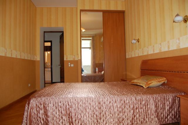 Сдается 2-комнатная квартира на ул. Азарова Вице Адм. — 0 у.е./сут. (фото №5)