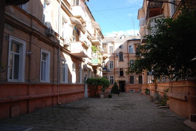 Сдается 3-комнатная квартира на ул. Торговая (Красной Гвардии) — 70 у.е./сут. (фото №3)
