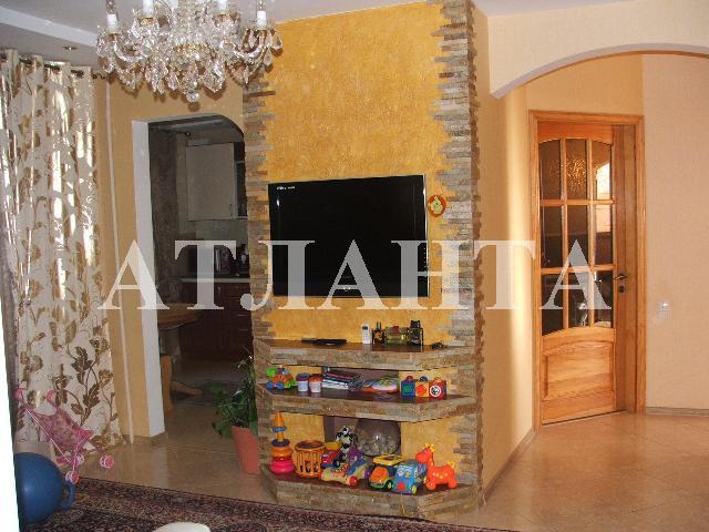 Продается 3-комнатная квартира на ул. Днепропетр. Дор. (Семена Палия) — 60 000 у.е.