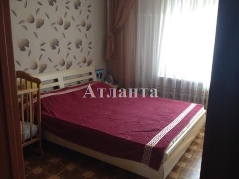 Продается 3-комнатная квартира на ул. Королева Ак. — 42 000 у.е.