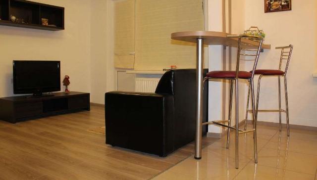 Сдается 1-комнатная квартира на ул. Ильфа И Петрова — 20 у.е./сут. (фото №2)