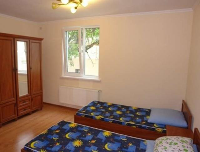 Сдается 1-комнатная Квартира на ул. Рулевой Пер. — 13 у.е./сут.