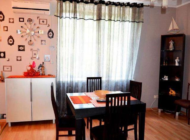 Сдается 3-комнатная квартира на ул. Французский Бул. (Пролетарский Бул.) — 50 у.е./сут. (фото №2)