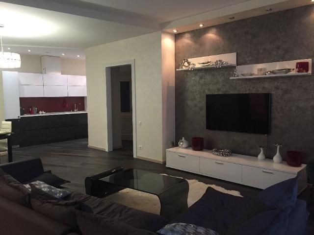 Сдается 3-комнатная квартира на ул. Литературная — 0 у.е./сут.