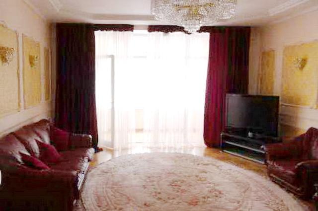 Сдается 3-комнатная квартира на ул. Каркашадзе Пер. — 0 у.е./сут. (фото №4)