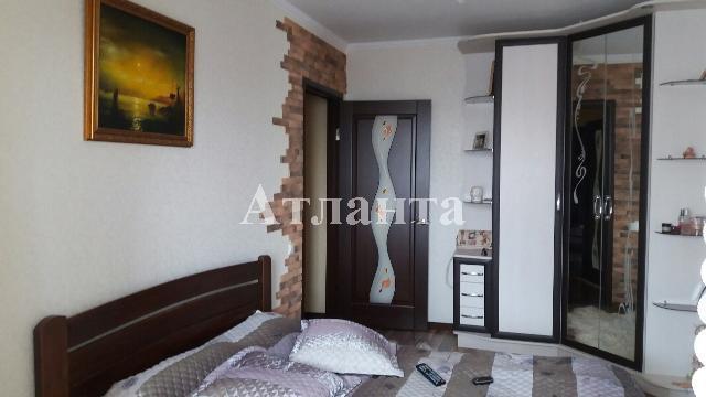 Продается 3-комнатная квартира на ул. Бочарова Ген. — 63 000 у.е.