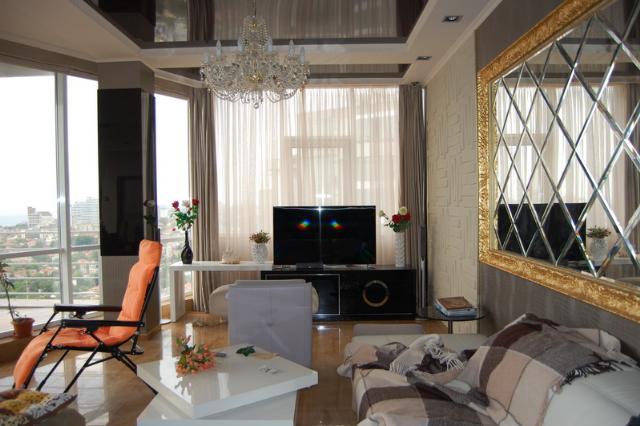 Сдается 3-комнатная квартира на ул. Гагаринское Плато — 0 у.е./сут.