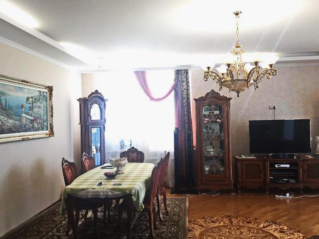 Сдается 4-комнатная квартира на ул. Мукачевский Пер. — 0 у.е./сут. (фото №7)