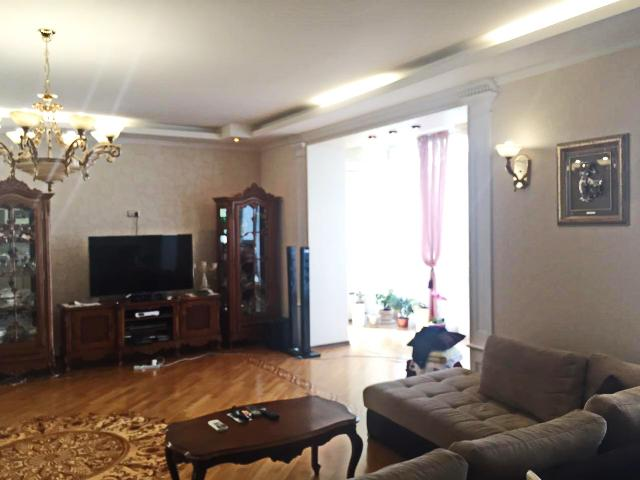 Сдается 4-комнатная квартира на ул. Мукачевский Пер. — 0 у.е./сут. (фото №8)