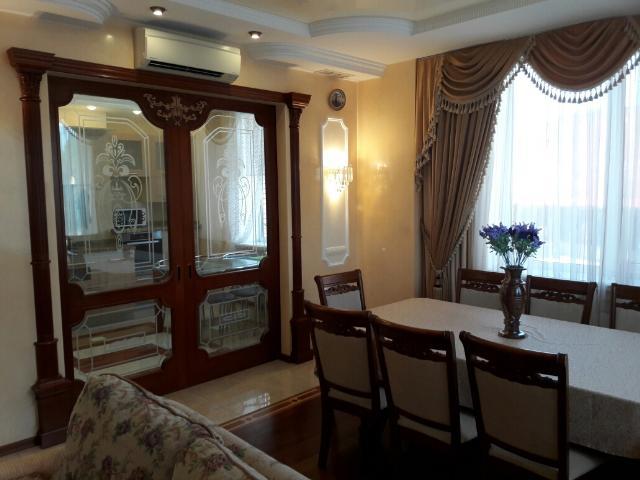 Сдается 4-комнатная квартира на ул. Шевченко Пр. — 0 у.е./сут.