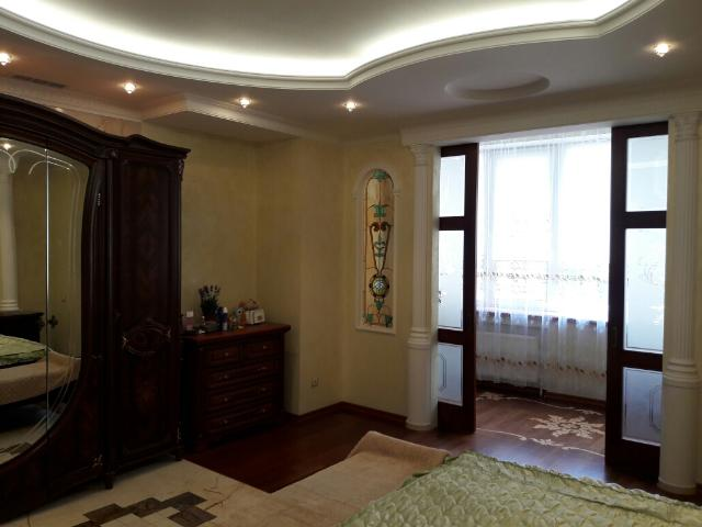 Сдается 4-комнатная квартира на ул. Шевченко Пр. — 0 у.е./сут. (фото №6)