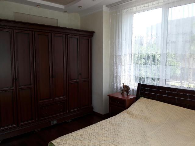 Сдается 4-комнатная квартира на ул. Шевченко Пр. — 0 у.е./сут. (фото №10)