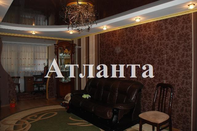 Продается 2-комнатная квартира на ул. Добровольского Пр. — 68 000 у.е.