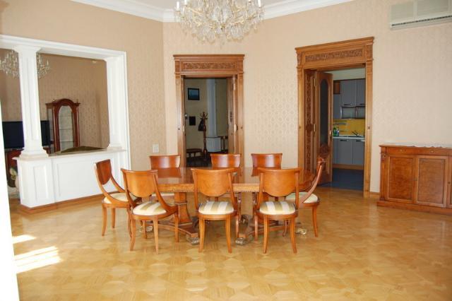 Сдается 5-комнатная квартира на ул. Дерибасовская — 0 у.е./сут. (фото №2)