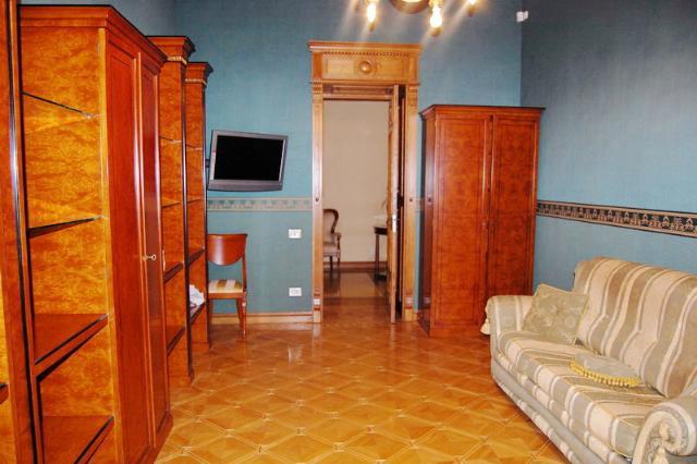Сдается 5-комнатная квартира на ул. Дерибасовская — 0 у.е./сут. (фото №14)