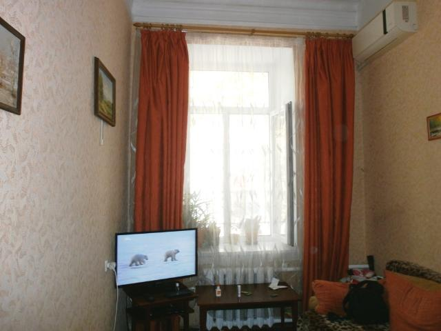 Продается 2-комнатная квартира на ул. Хмельницкого Богдана — 22 000 у.е.