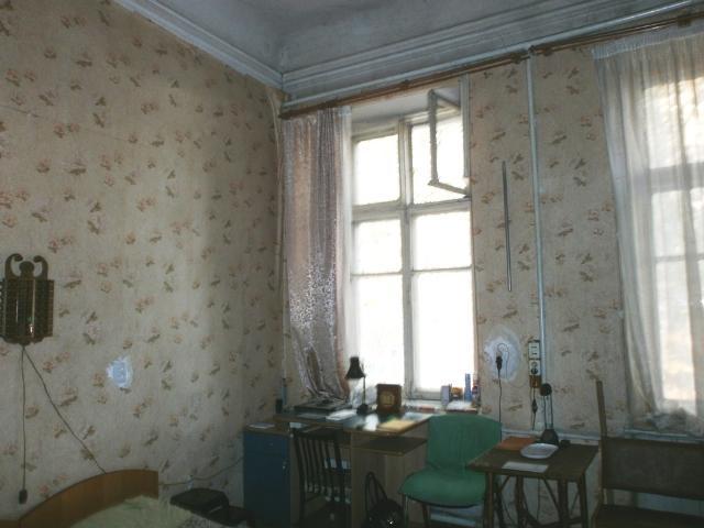 Продается коммунальная на ул. Пушкинская — 16 500 у.е.