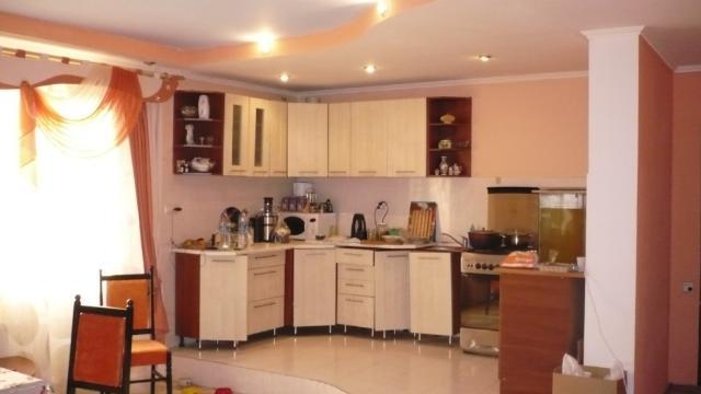 Продается дом на ул. Десантна — 140 000 у.е.