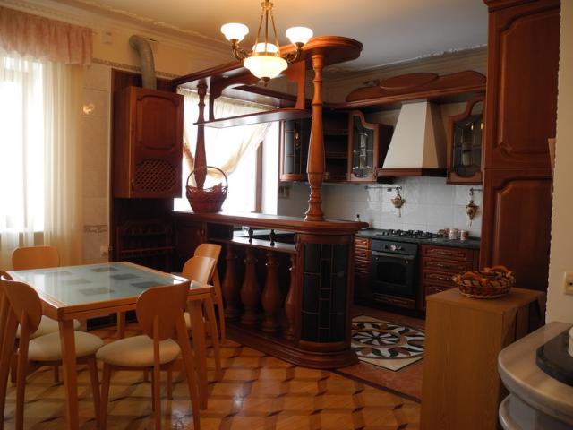 Сдается дом на ул. Посмитного — 185 у.е./сут. (фото №3)