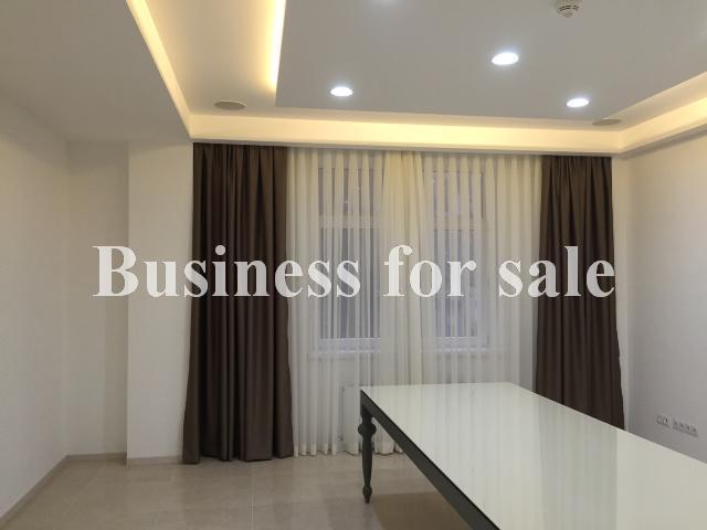 Продается Офис на ул. Военный Сп. (Жанны Лябурб Сп.) — 250 000 у.е.