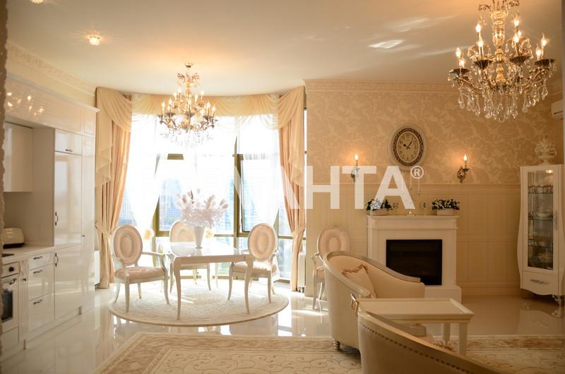 Продается 3-комнатная Квартира на ул. Генуэзская — 850 000 у.е.