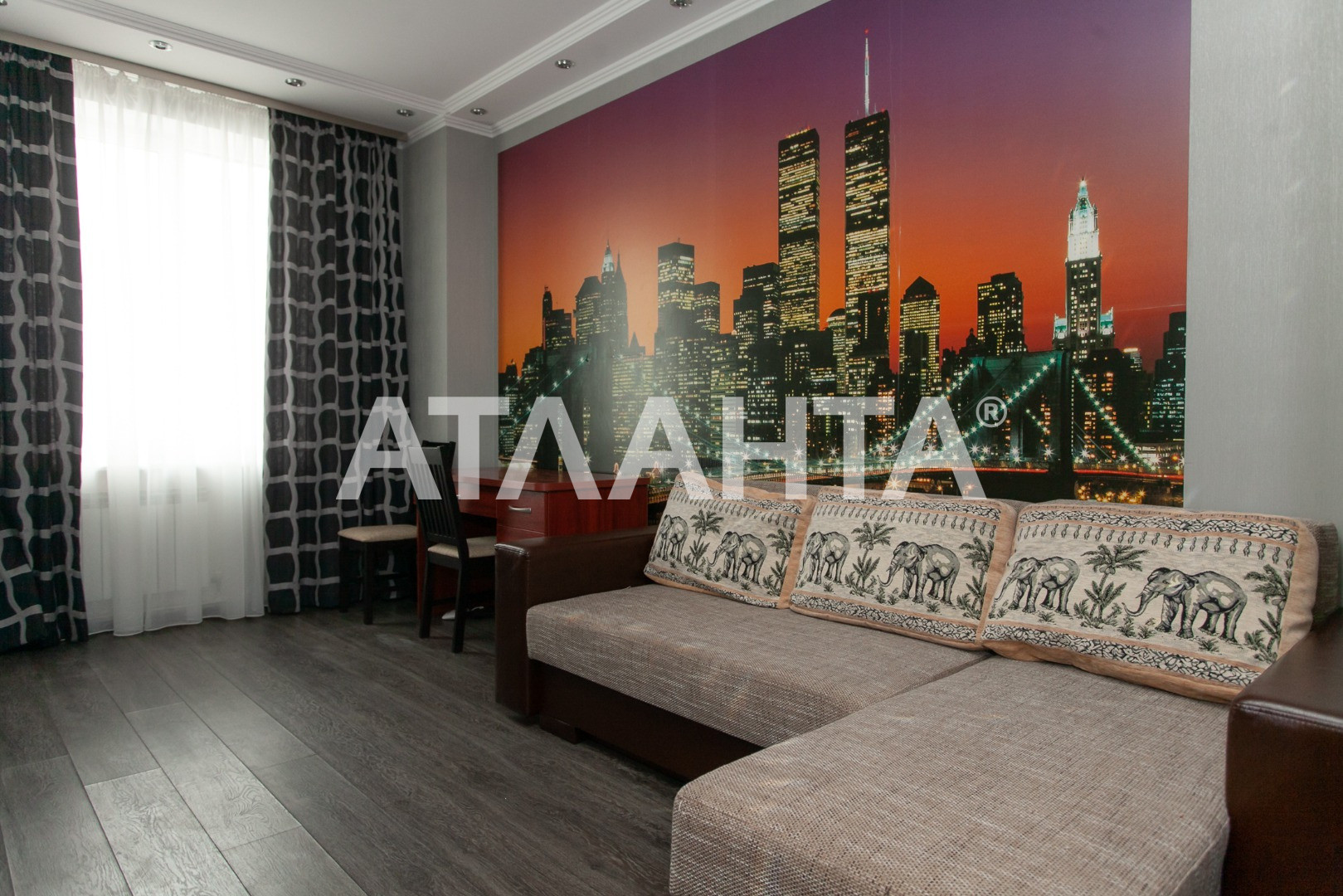 Сдается 3-комнатная Квартира на ул. Базарная (Кирова) — 700 у.е./мес.