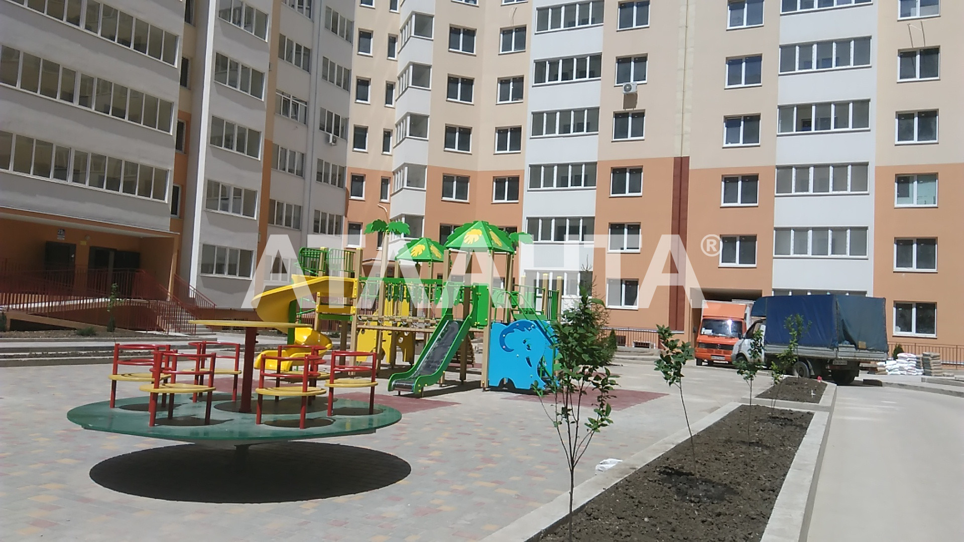 Продается 1-комнатная Квартира на ул. Радужный М-Н — 24 000 у.е.