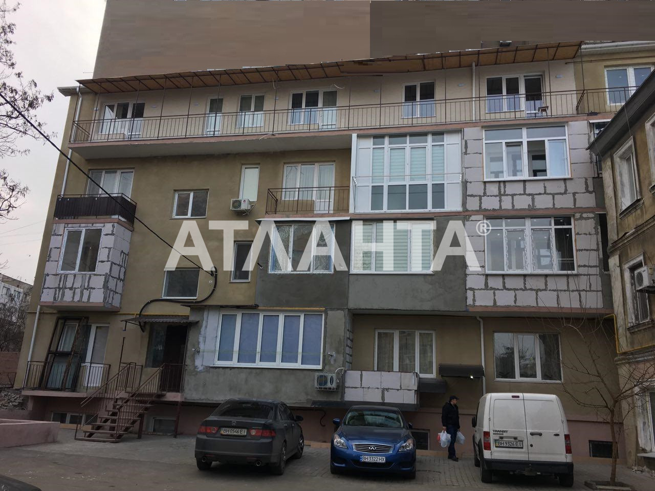 Продается 1-комнатная Квартира на ул. Средняя (Осипенко) — 20 000 у.е.