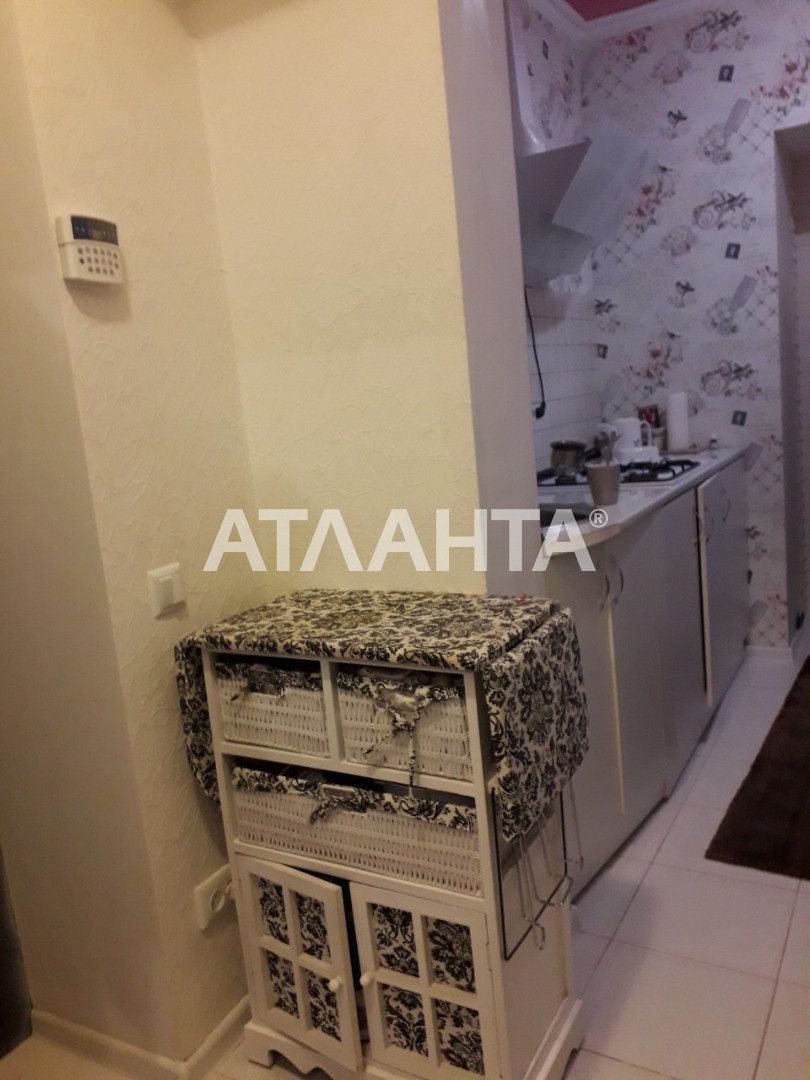 Продается 1-комнатная Квартира на ул. Степовая (Мизикевича) — 17 500 у.е. (фото №3)